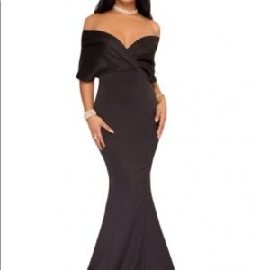 Dresses & Skirts - 🛍Gorgeous Evening Gown🛍